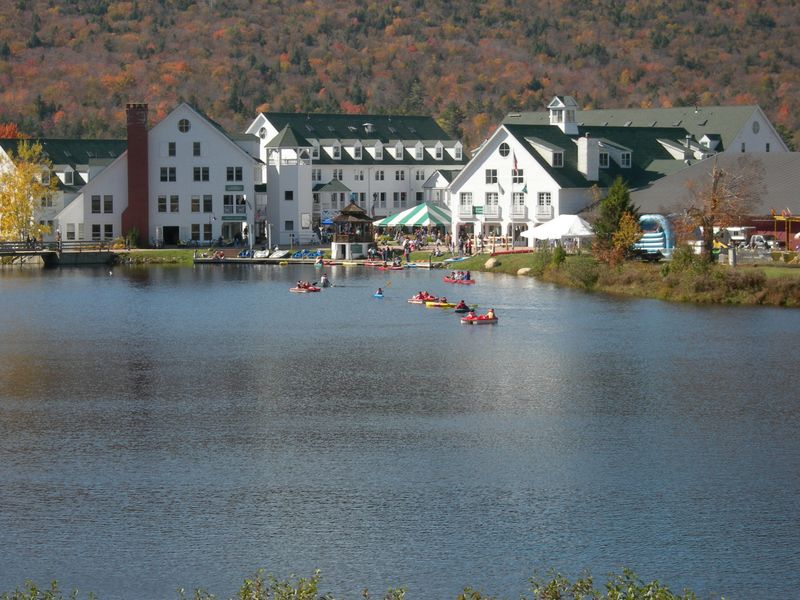 Pond and Town Sq