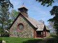 St._Andrew's-by-the-Sea_chapel,_Rye,_New_Hampshire_(May_30_2011)