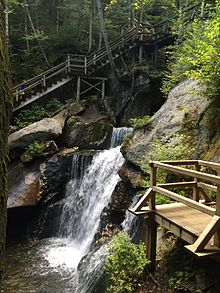 Lost_River_Gorge_waterfall_and_platform