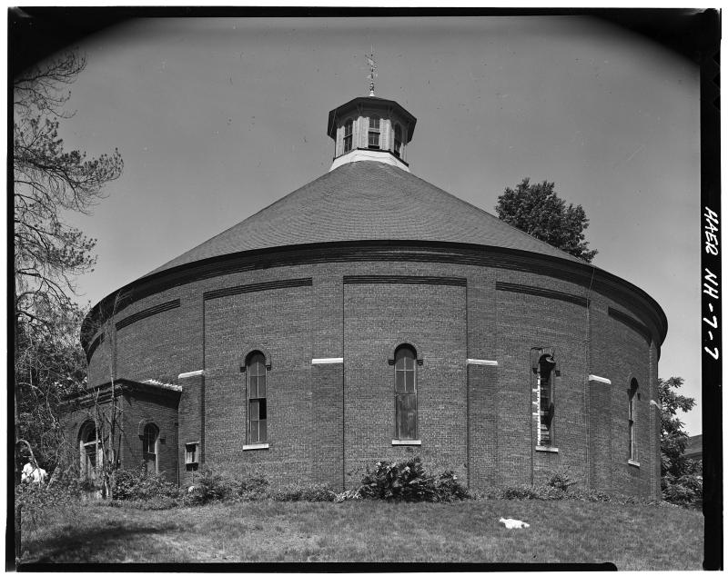 1920px-Gasholder_House_-_Concord _New_Hampshire_-_HAER_NH-7_-_105477pu